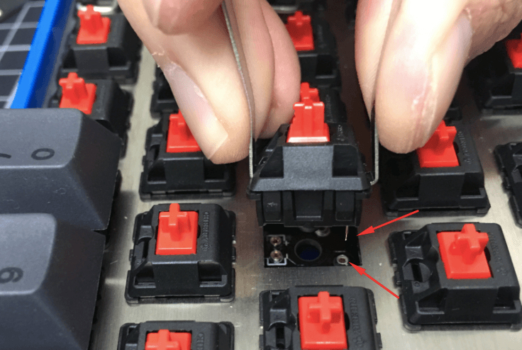 Switch removal on hot-swappable keyboard